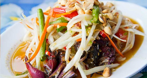 Papaya Salad with Salted crab Natural Wing