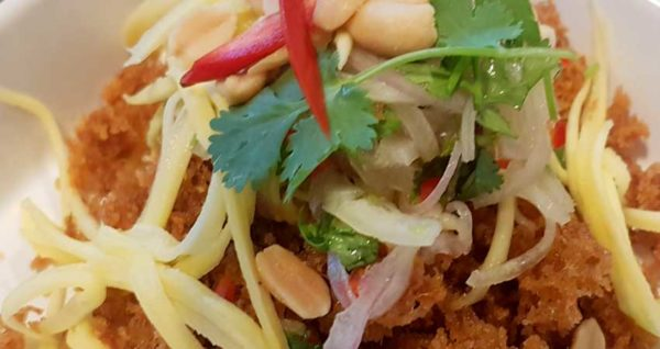Spicy Crispy Tuna with Green Apple Salad Natural Wing