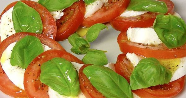 Tomato Mozzarella Salad Natural Wing